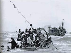 """""""Thuyền Nhân"""" - Giai đoạn người dân chạy nạn CS Bắc việt, vượt biên bằng thuyền![Hình Internet; posted by tunhan]"""